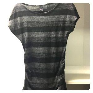 Short sleeve maternity top